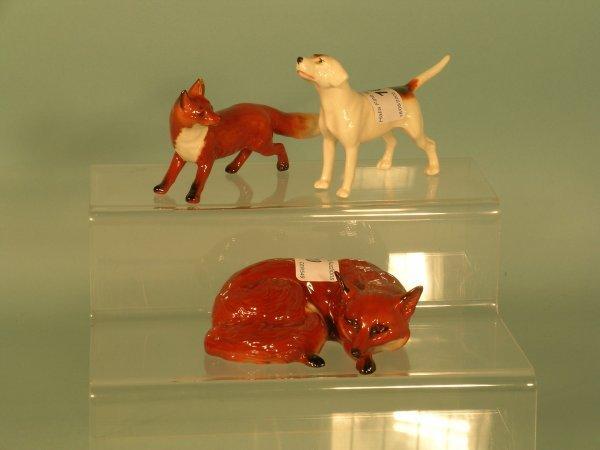 10B: A Beswick foxhound and 2 Beswick Foxes