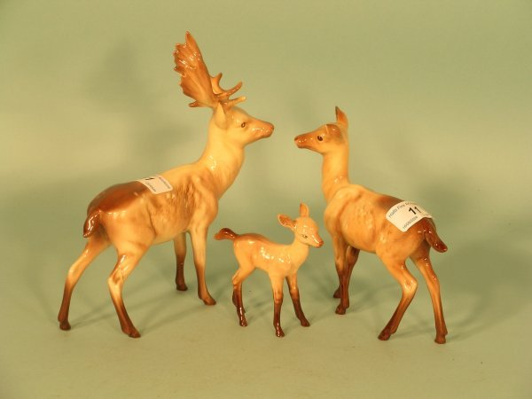 11B: A Beswick deer family of 3