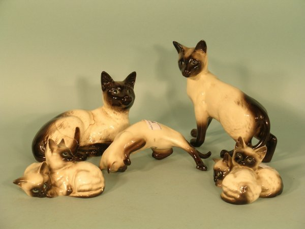 15B: A selection of 5 Beswick Siamese cat ornaments