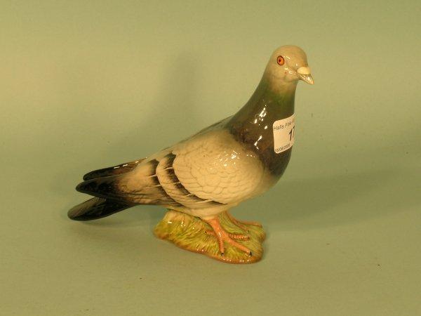 17B: A Beswick pigeon, model No.1383B