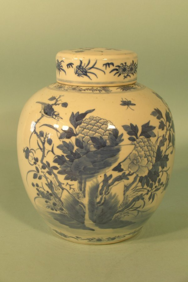 4E: A Chinese blue and white ovoid vase and cover, 19th