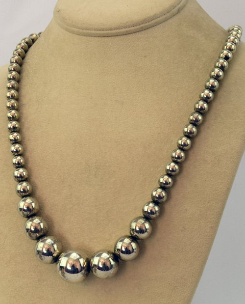 Native American Old Paw Sterling Navajo Pearls Necklace