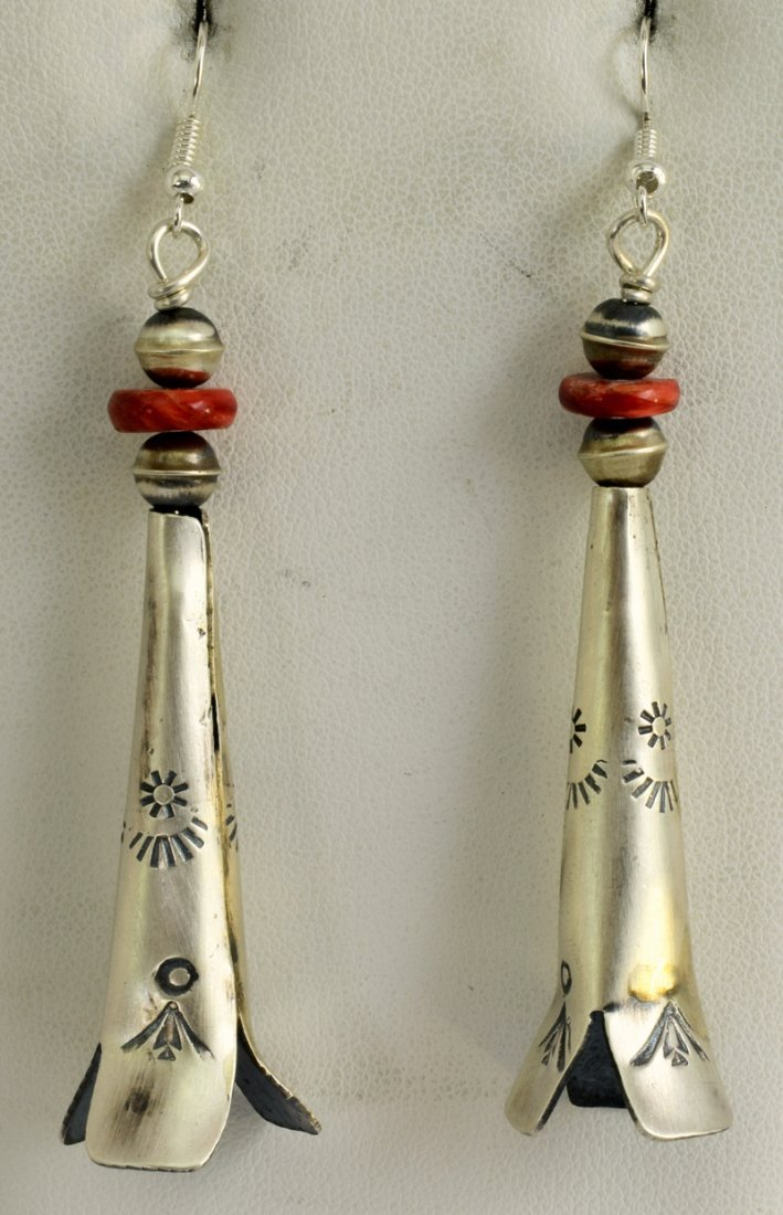 Navajo Sterling Long Blossom Earrings w/Spiny Oyster
