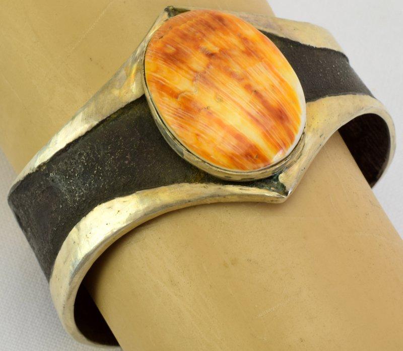 Navajo Sterling Silver Old Pawn Spiny Oyster Bracelet - 4