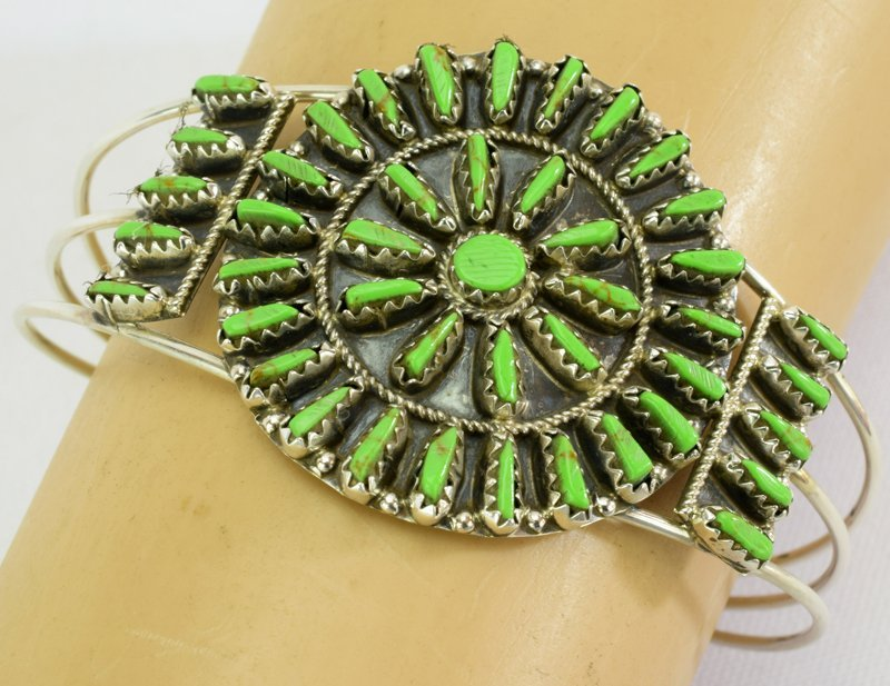 Native American Sterling Gaspeite Cluster Bracelet - 4