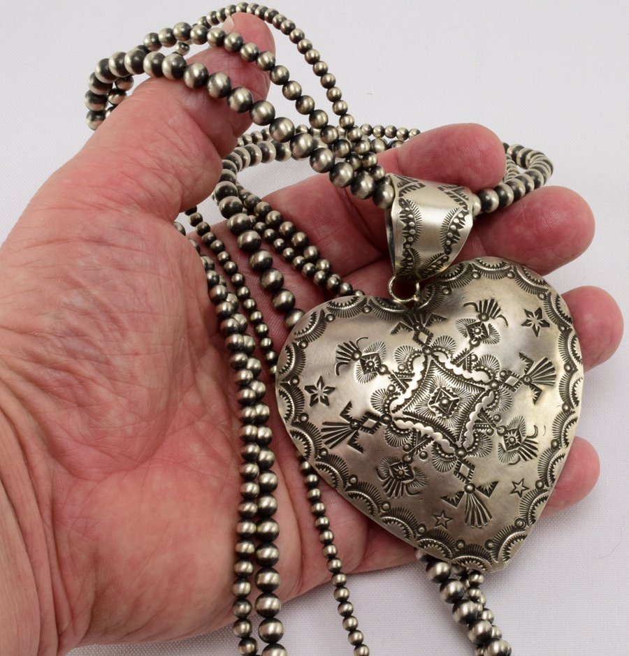 Vincent Platero Stamped Heart Bench Bead Necklace-30 in