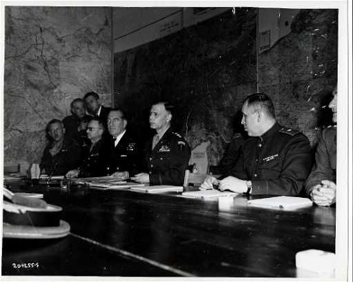Chiefs of staff sign nazi surrender 5 6 1945 reims