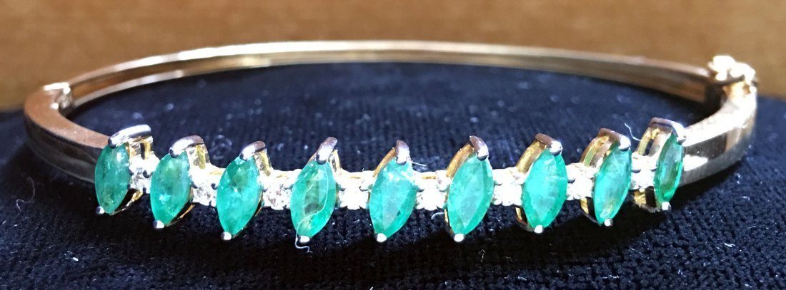 18ct Gold, Emerald and Diamond bangle