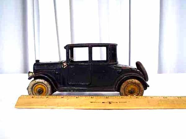 1023: HUBLEY CAST IRON 1923 DODGE COUPE