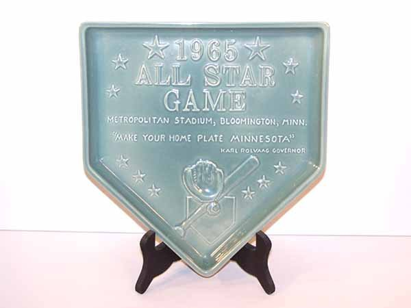 1011: REDWING POTTERY COMMEMORATIVE HOME PLATE