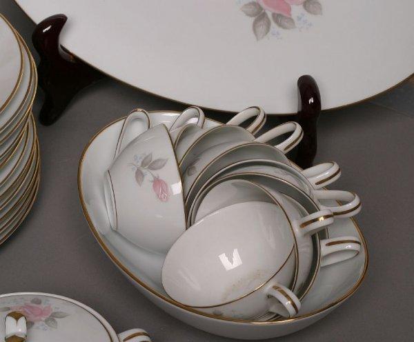 298: Noritake 90-piece Roseville china set - 2