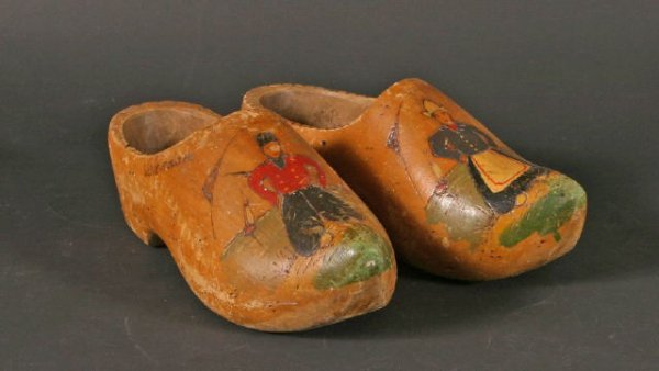 12: Pr Dutch Wooden Shoes