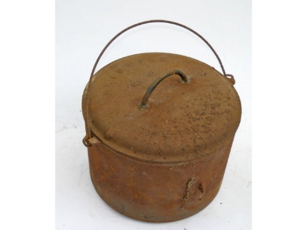 5: Griswold No10 Dutch oven With lid