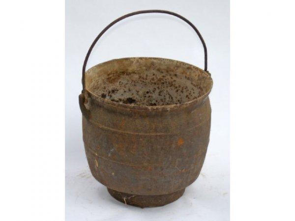 8: Cast iron pot for wood-burning stove