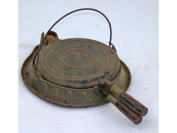 11: Wagner No10 waffle iron (Patd 1910)