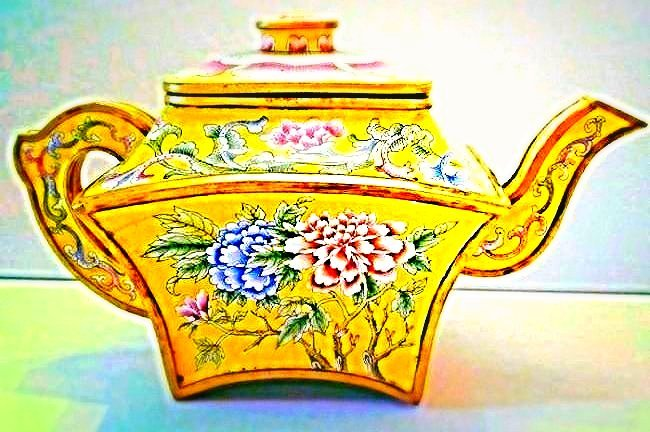 Yellow Ground Beijing Enamel Teapot with Cover