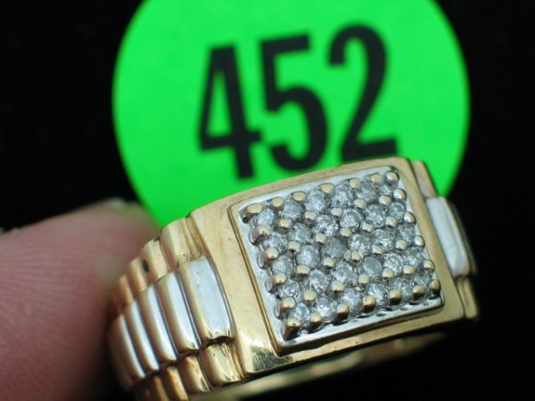 452: Mens 10kt yellow gold ring size 9 1/4 - w/apprx 1/