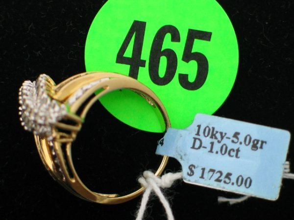 465: Ladies 10kt yellow gold ring size 7 1/2 - w/apprx