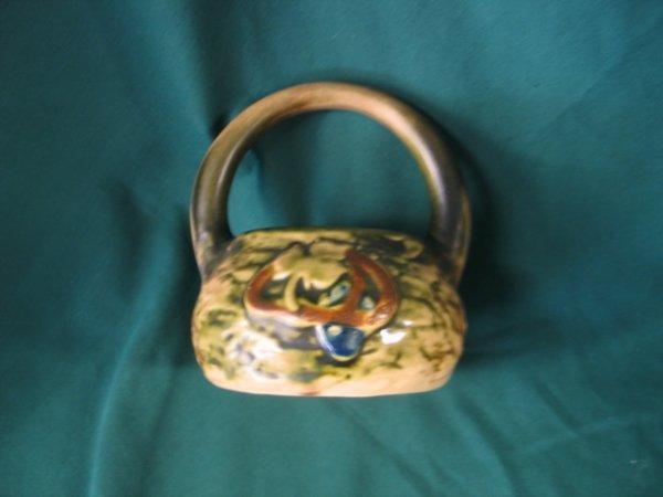 212: roseville imperial 1924 basket w/handle