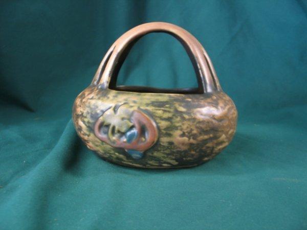 213: roseville imperial 1916 basket w/ handle