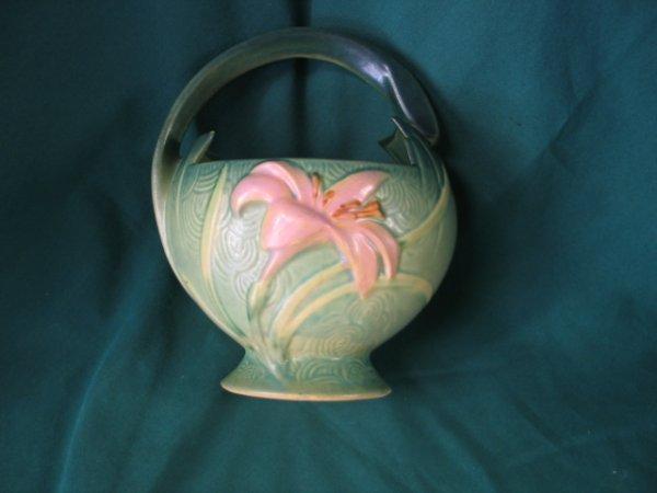 217: roseville zephyr lilly basket #393-7