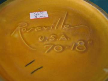 2121: roseville peony vase #70-18
