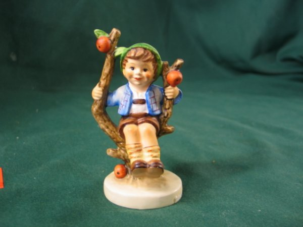 "152: Hummell Figurine,""Apple Tree Boy"""