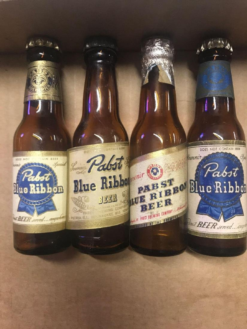 Vintage Papst blue ribbon beer salt and pepper shakers
