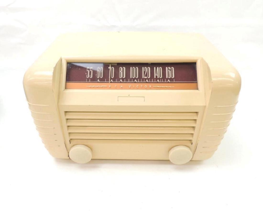 Vintage RCA Victor Tabletop Radio Model 65x2 - 2