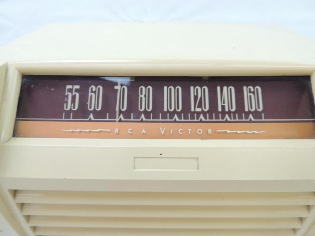 Vintage RCA Victor Tabletop Radio Model 65x2 - 3