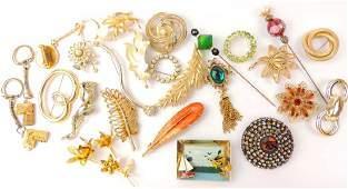 Vintage Gold Tone Costume Brooch Lot