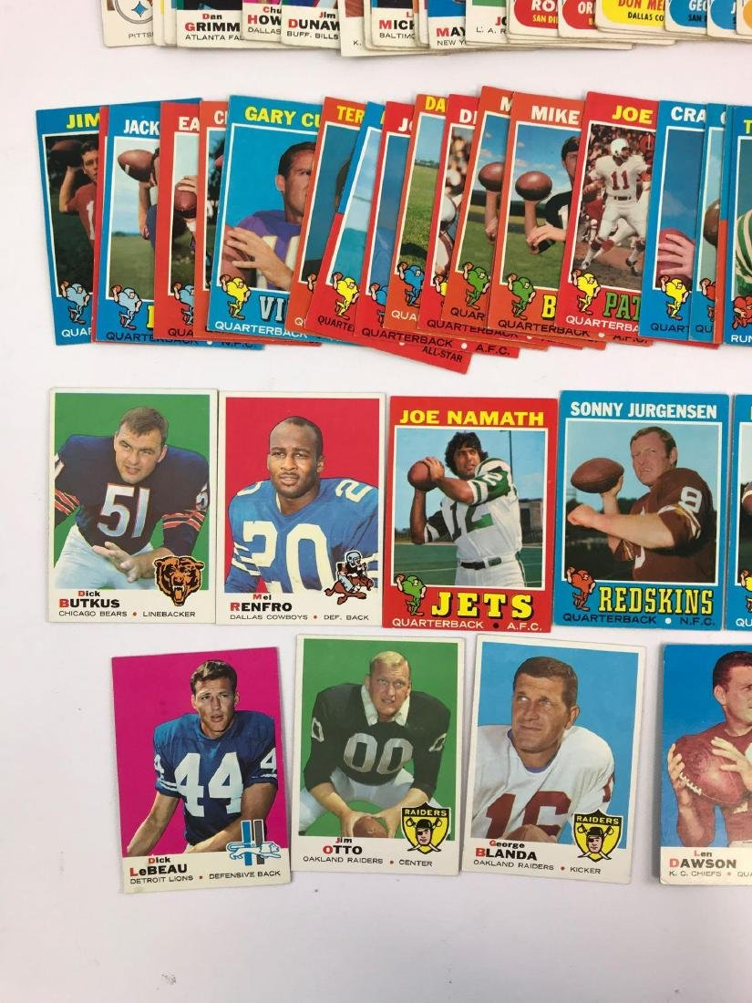 Approximately 200 1968, 69, 71 vintage Topps football - 4