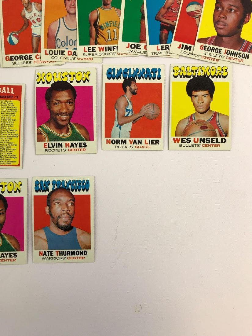 Approximately 35+ 1971 Topps baseball trading cards - 2