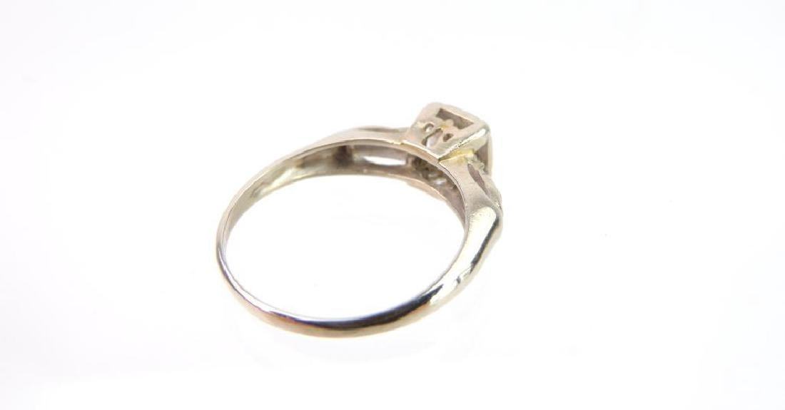 14k White Gold and Diamond Ring - 3
