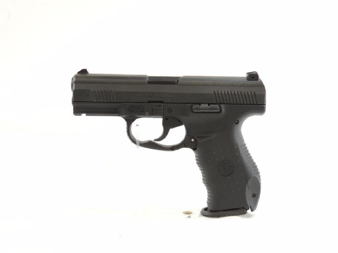 Smith & Wesson Model SW99OL 9mm Semi-Auto Pistol with