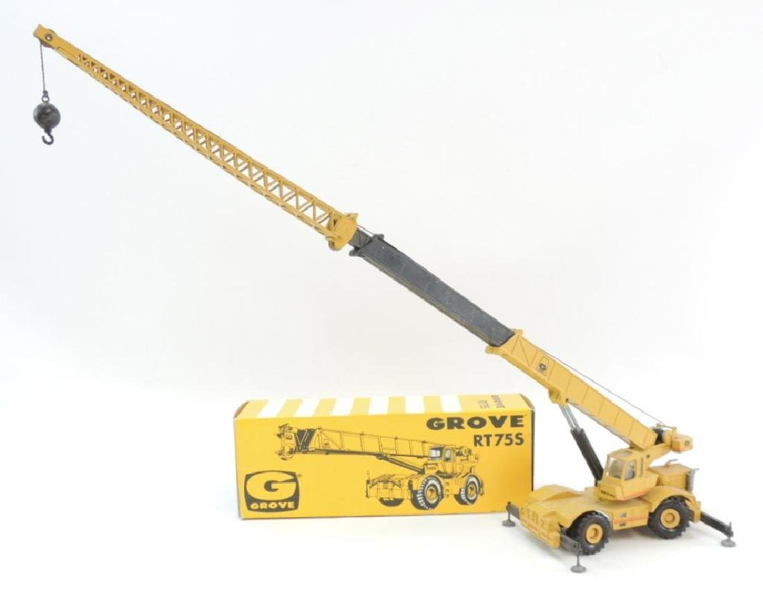 NZG Modelle Grove RT75S Die-Cast Toy Crane with
