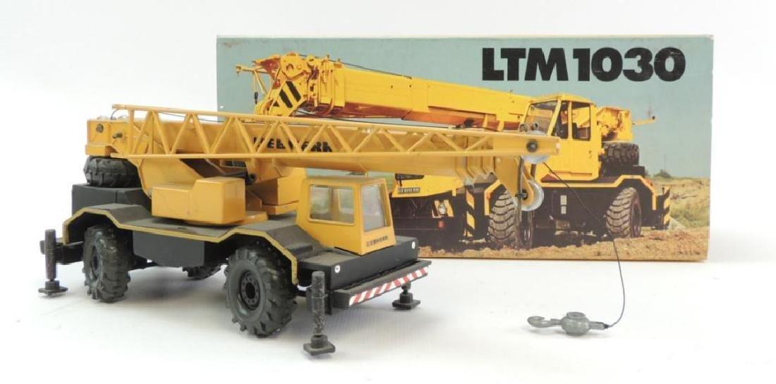 Conrad Liebherr LTM 1030 Die-Cast Toy Crane with