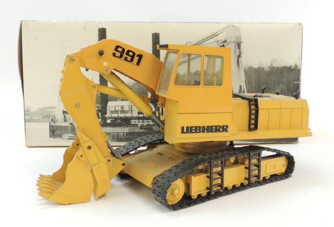 Conrad Liebherr 991 Die-Cast Toy Hydraulic Excavator
