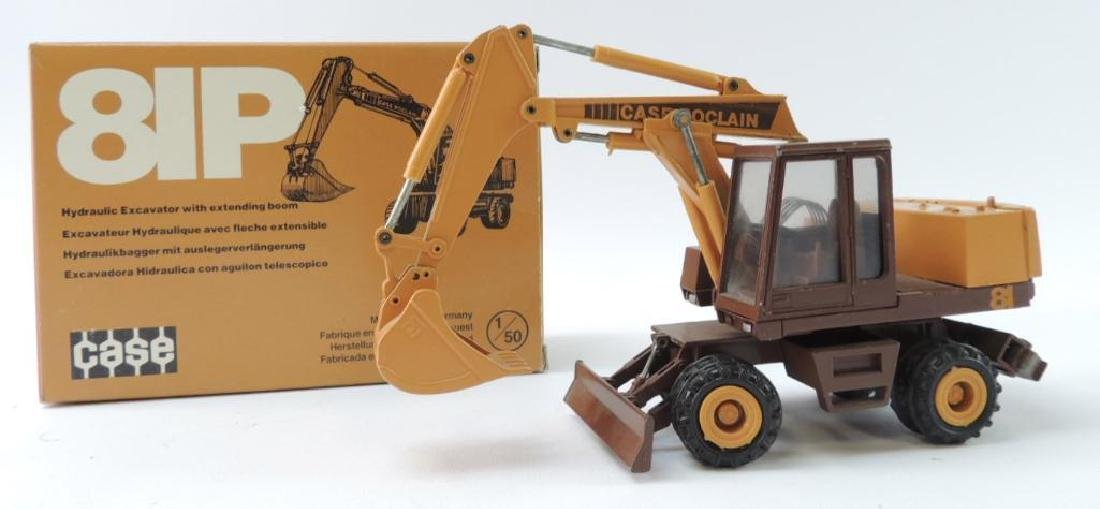 Conrad Case Die-Cast Toy 81P Hydraulic Excavator with