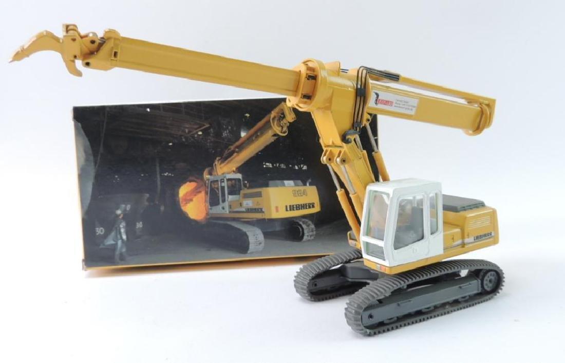 Conrad Liebherr Die-Cast Toy R 924 Hydraulic Excavator
