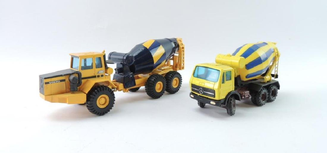 Group of 2 Die-Cast Toy Cement Mixers