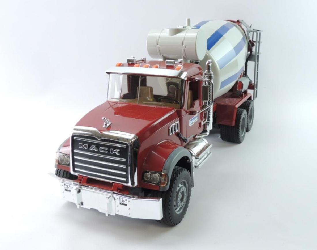 Bruder Mack Granite Plastic Toy Cement Mixer