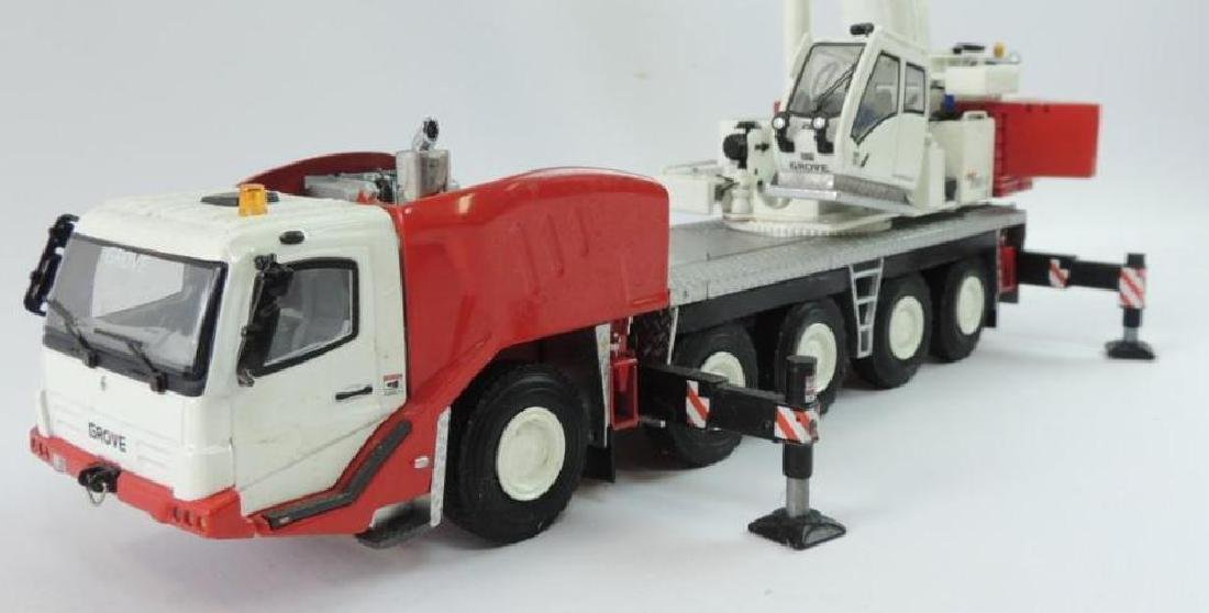 Grove GMK 5165-2 Die-Cast Replica Hydraulic Mobile - 2