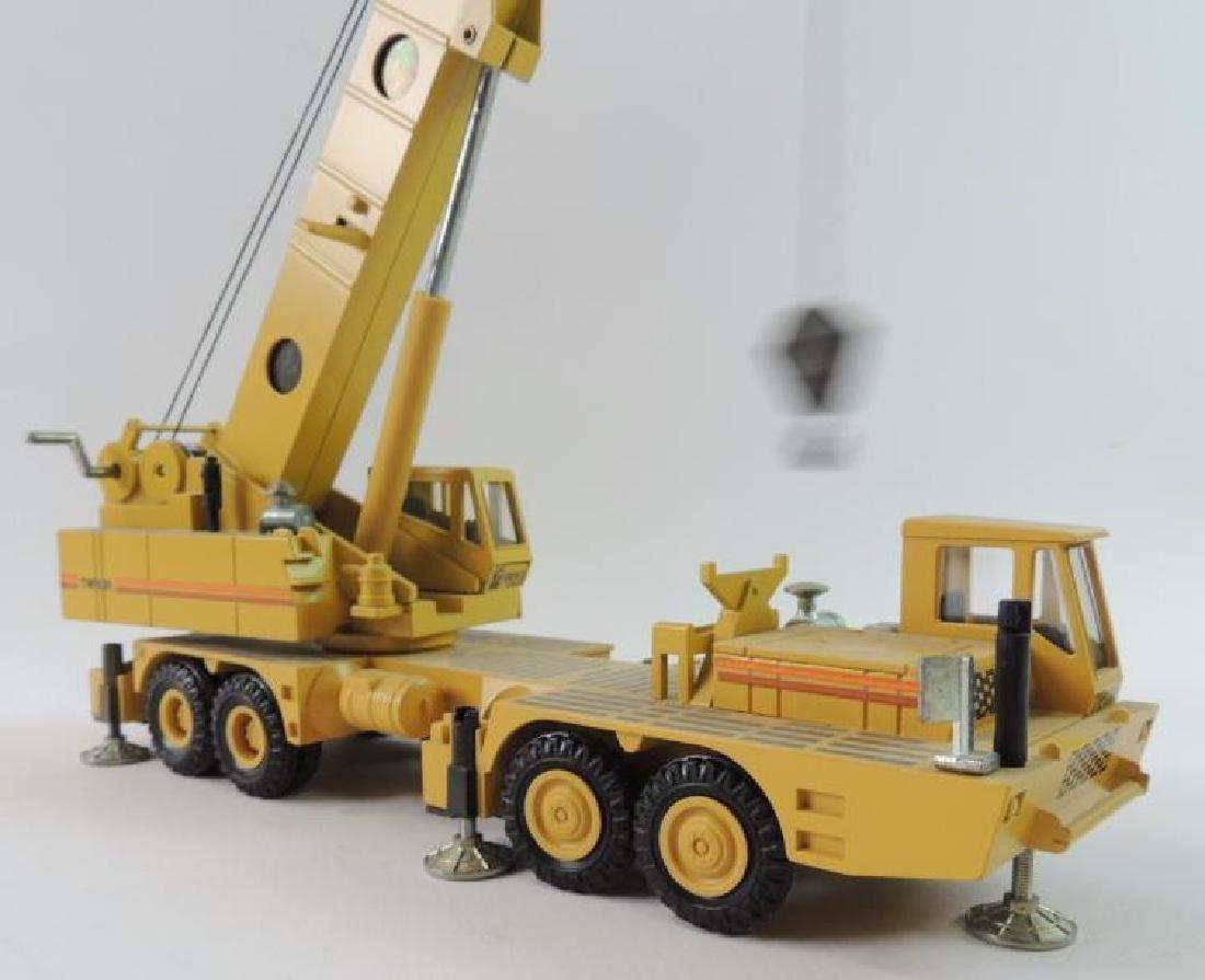 NZG Modelle Grove RM9120 Die-Cast Replica Hydraulic - 3