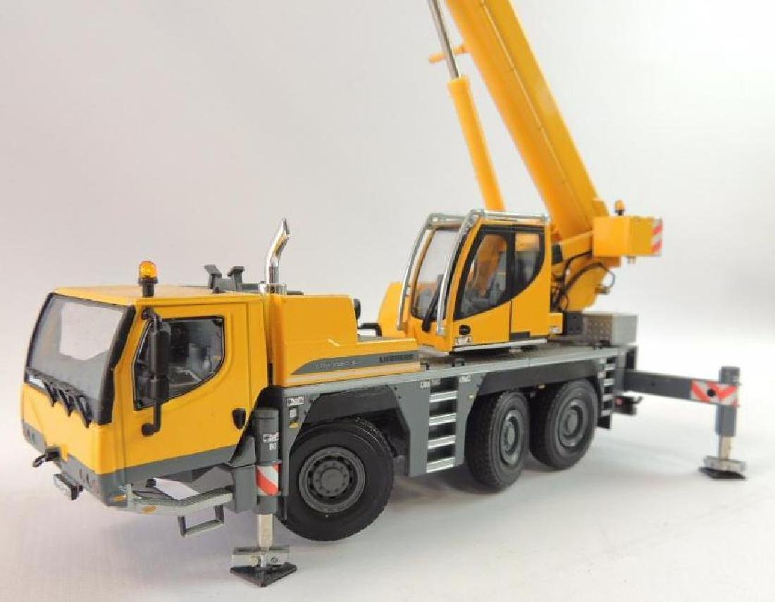 Liebherr LTM 1050-3.1 Die-Cast Replica Mobile Hydraulic - 2