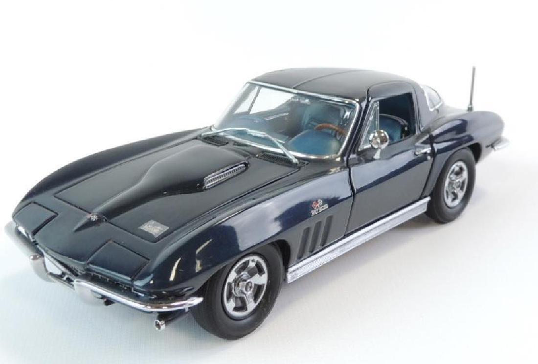 Danbury Mint 1966 Chevrolet Corvette 427 Die-Cast Car