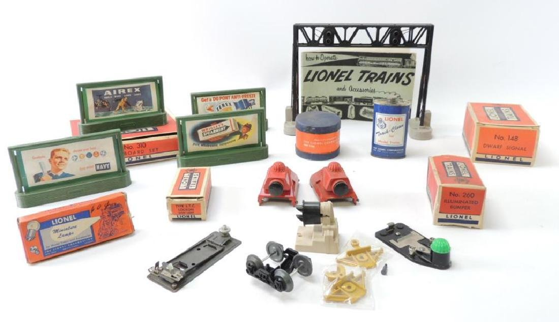 Group Of Vintage Lionel Train Accessories