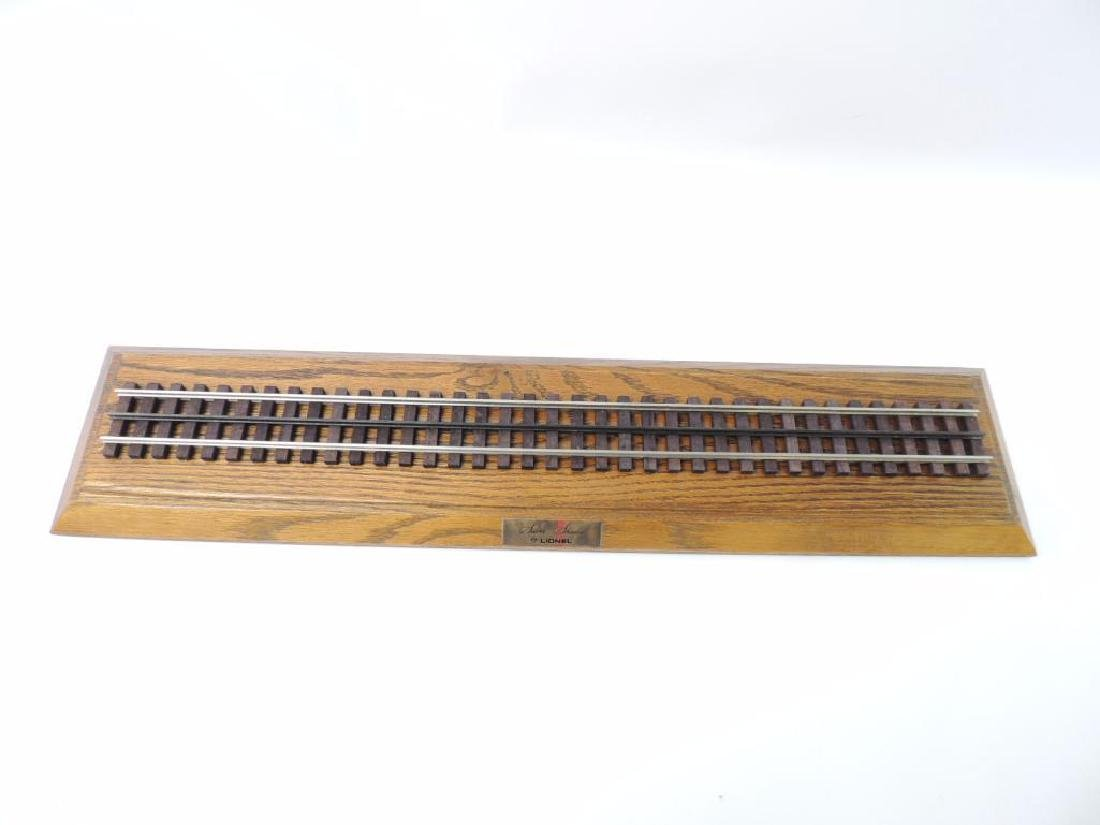 Lionel Trains Silver Shadow Wood And Plexi-Glass