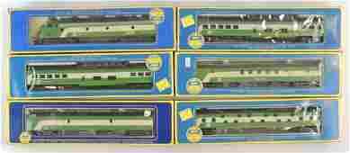 Group of 6 AHM Burlington Northern HO Scale Train Set