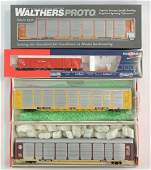 Group of 4 Walthers HO Scale Train Cars with Original